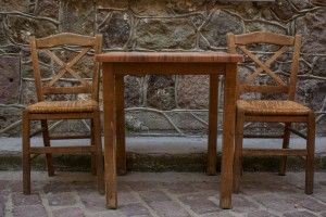 http://hecktictravels.com/wp-content/uploads/2013/05/empty-table.jpg